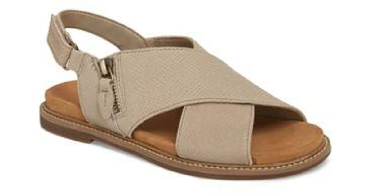 4684c622e25 Lyst - Clarks Clarks Corsio Calm Sandal in Natural