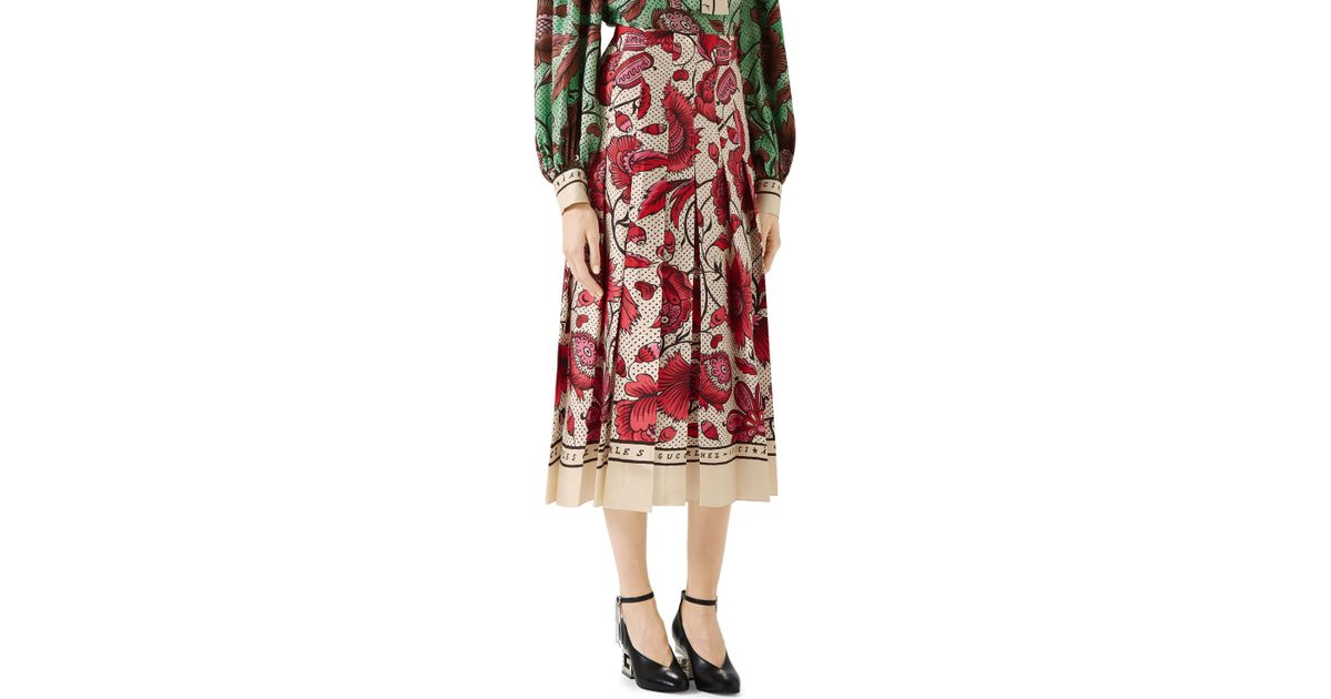 5a425c327 Lyst - Gucci Watercolor Floral Print Pleated Silk Twill Midi Skirt in Red