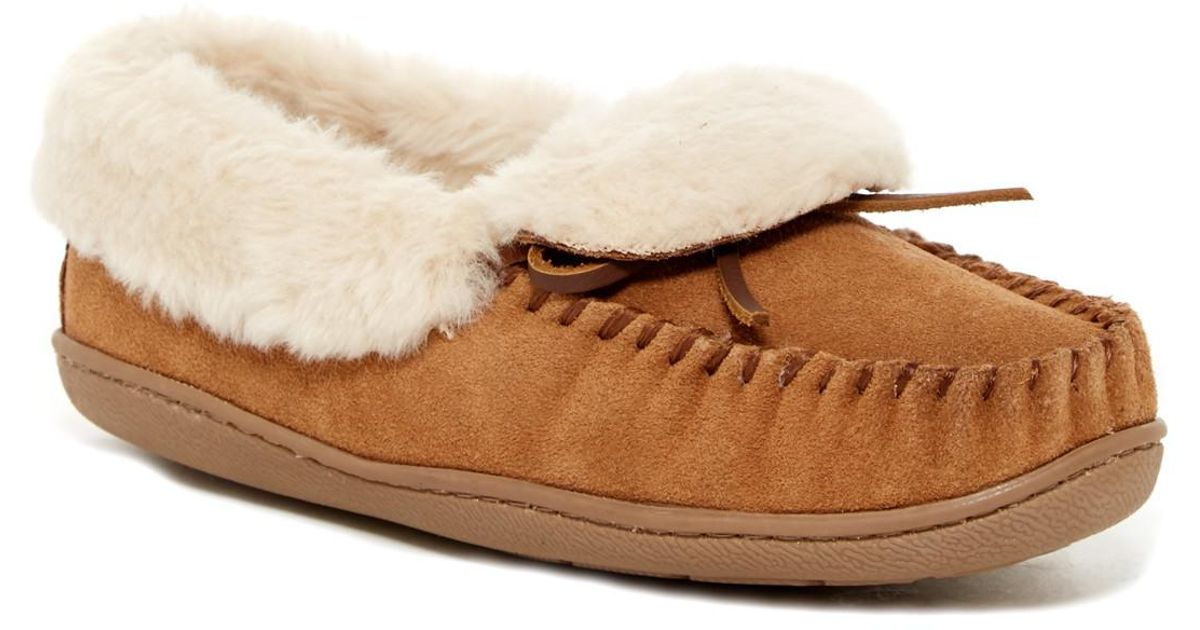 d26a3bd00fc Lyst - Minnetonka Trina Folded Faux Fur Lined Suede Trapper in Natural
