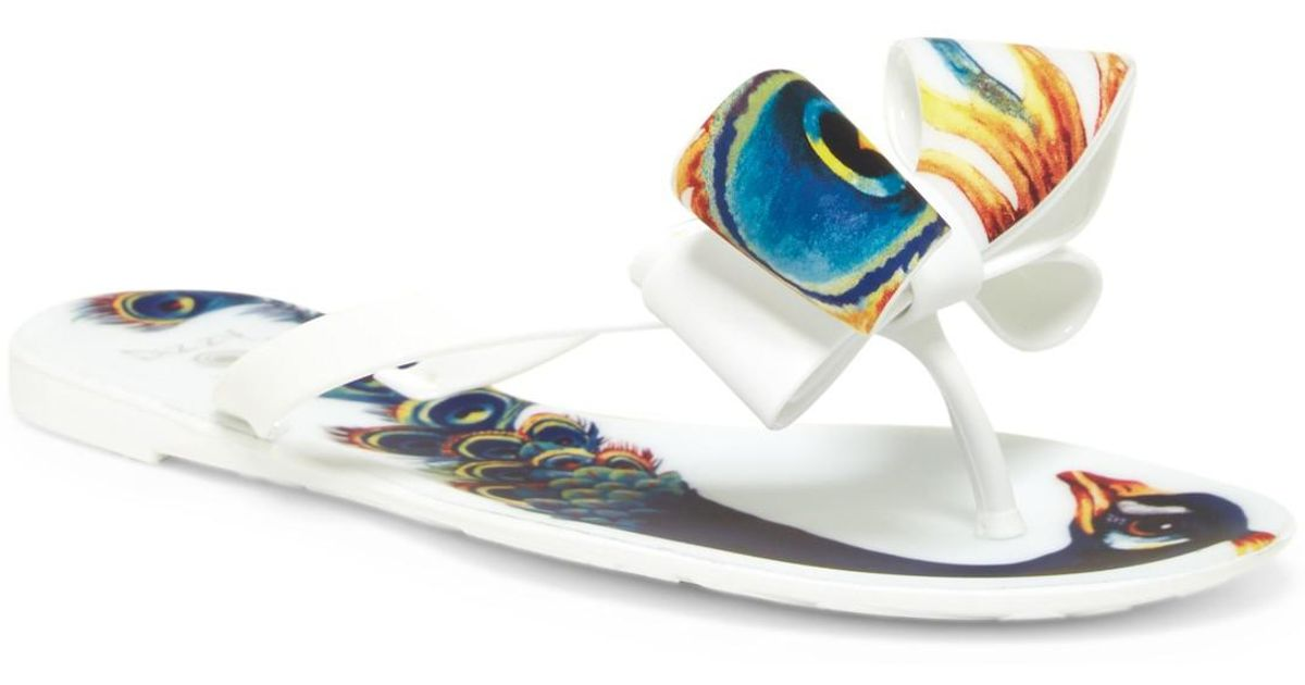 2a596be1b Lyst - Dizzy Matte Peacock Bow Flip-flop in White
