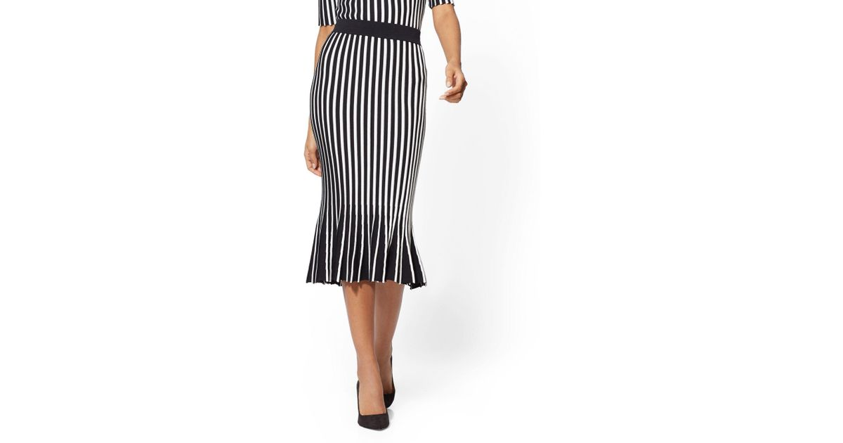 a57ed22e9a New York & Company 7th Avenue - Stripe Pleated Sweater Skirt in Black - Lyst