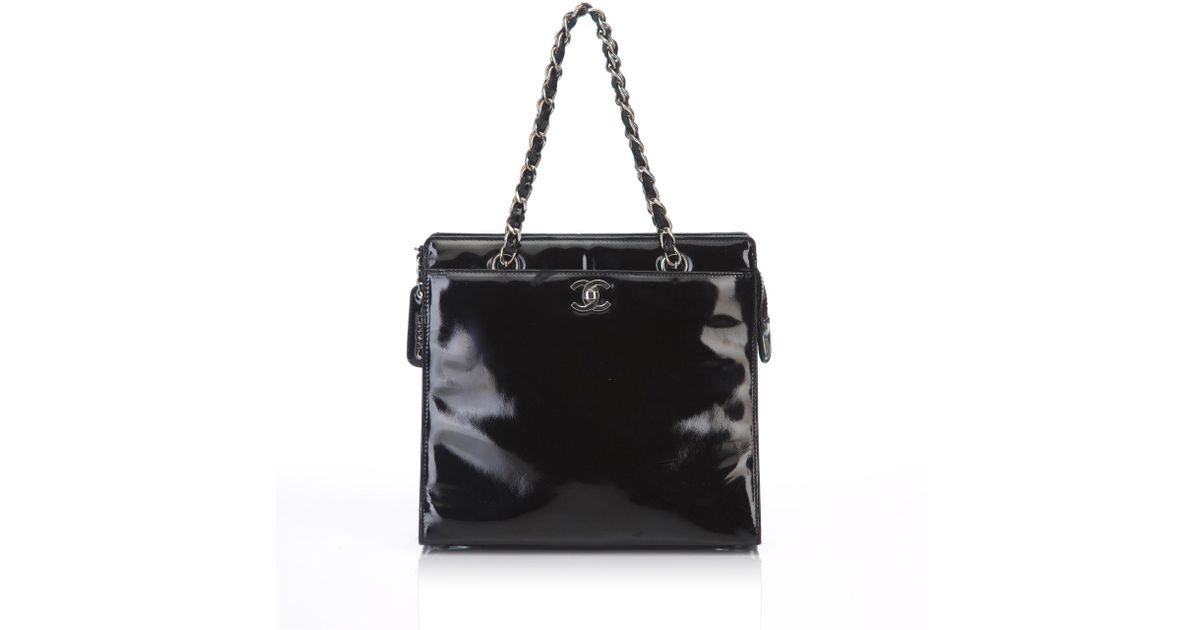 c15bdfdd2a3f37 Lyst - Chanel Patent Leather Chain Tote Bag in Black