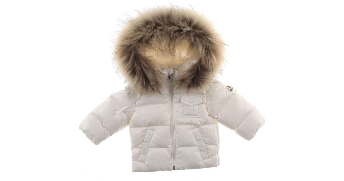 c44bfb239eea Lyst - Moncler Baby Down Jacket For Girls On Sale in White