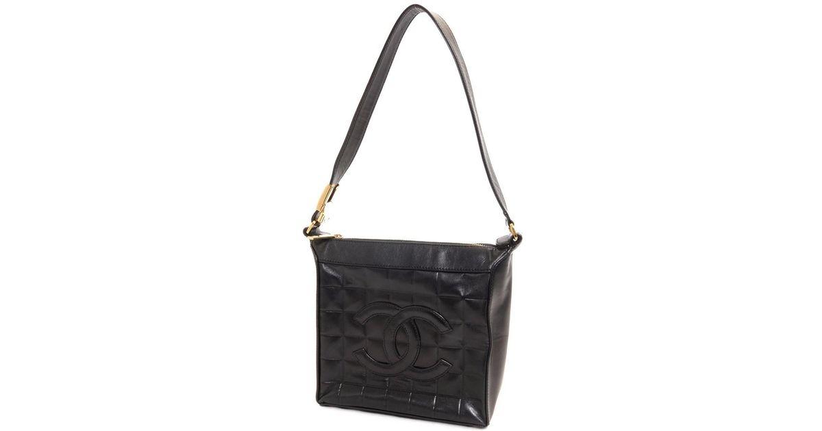 58fe86d9f9bfe3 Chanel Lambskin Chocolate Bar Cc Logo Shoulder Bag in Black - Lyst