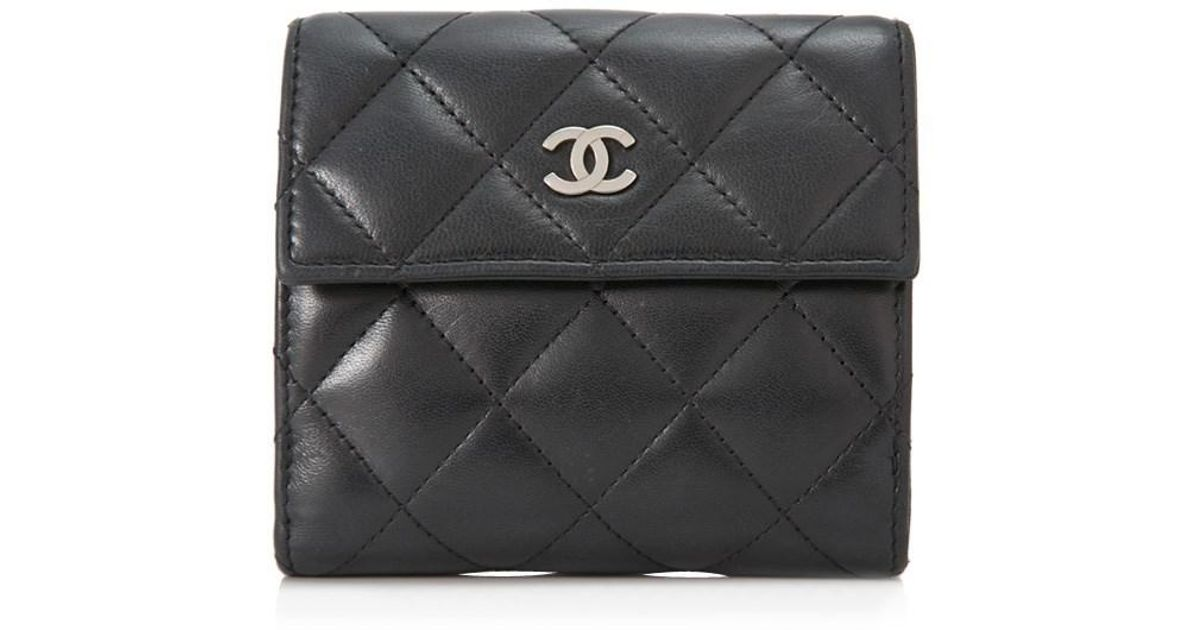 c3a944aec831 Chanel Pre-owned Quilted Leather Short Wallet in Black - Lyst