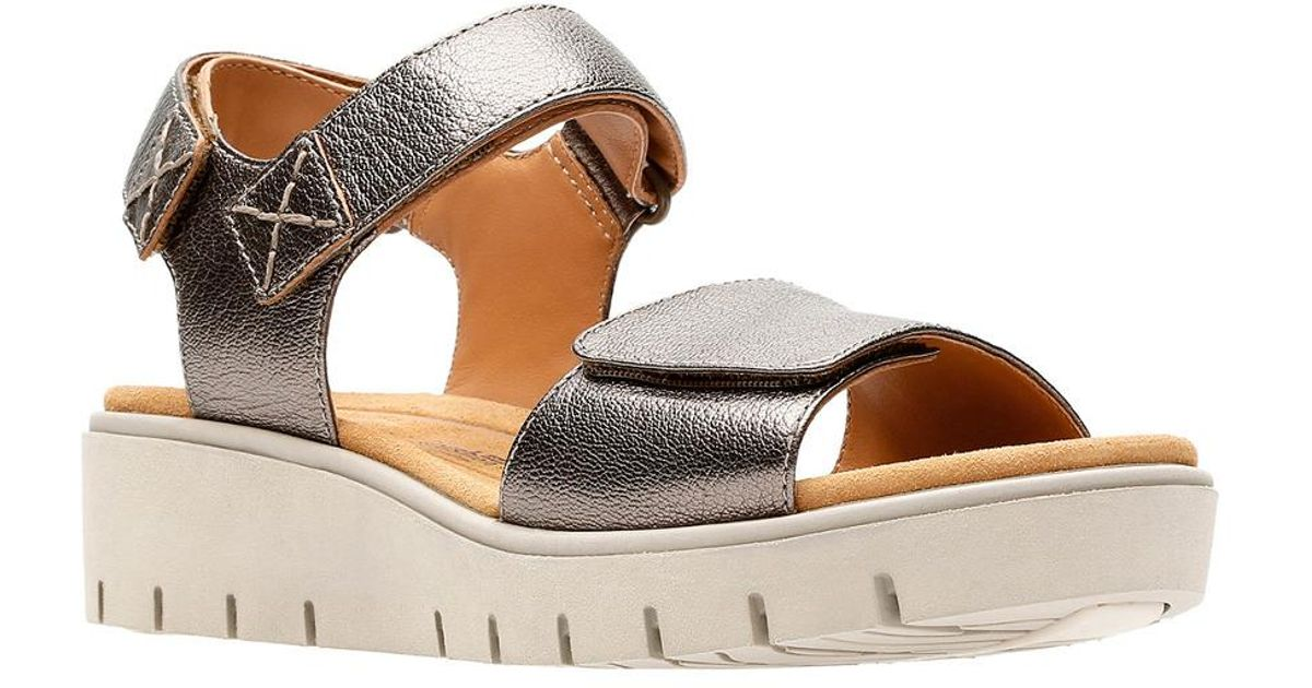 ff78856bc733 Clarks Unstructured Un Karely Bay Sandal in Metallic - Lyst