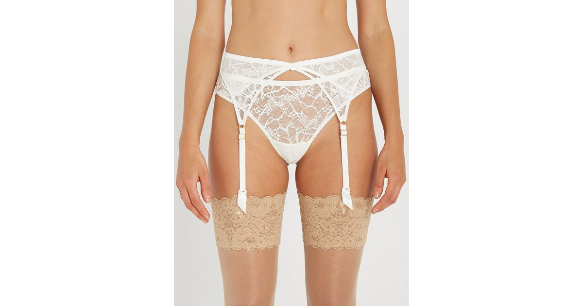 403428f68fc Chantelle Segur Lace And Satin Suspender Belt in White - Lyst