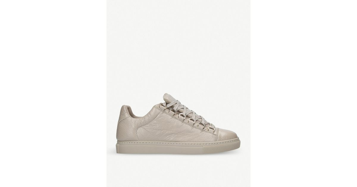 ba4106edd619 Balenciaga Arena Leather Low-top Trainers in Gray - Lyst