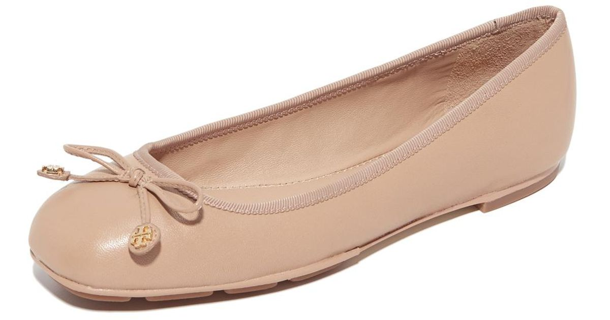 5989ef2ba Tory Burch Laila Driver Ballet Flats in Natural - Lyst