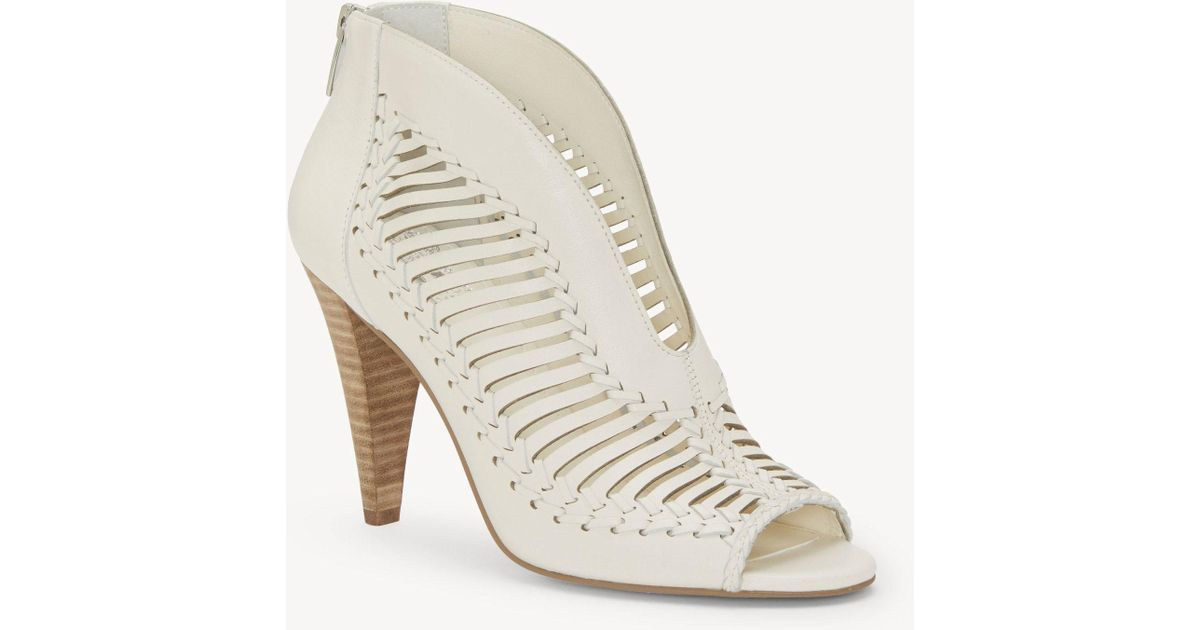 892827f810ea Lyst - Vince Camuto Acha Sandal in White