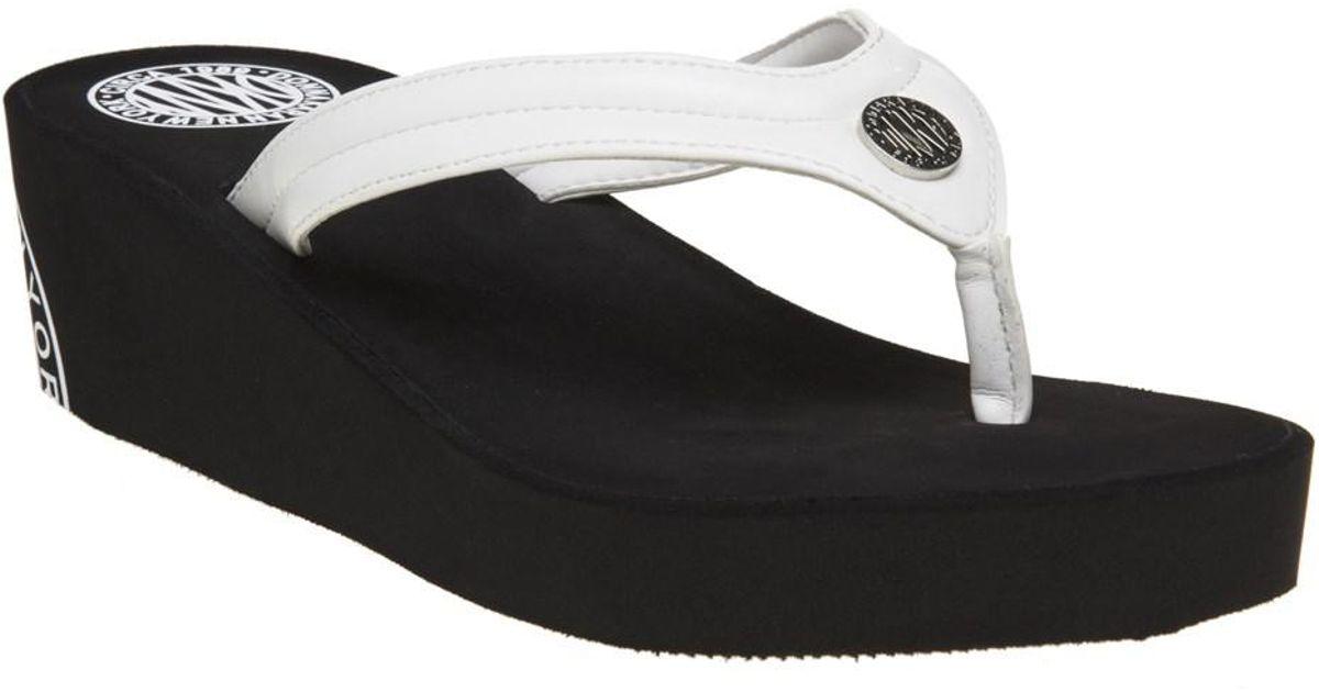 8622b64cc1d59 DKNY Jones Sandals in Black - Lyst