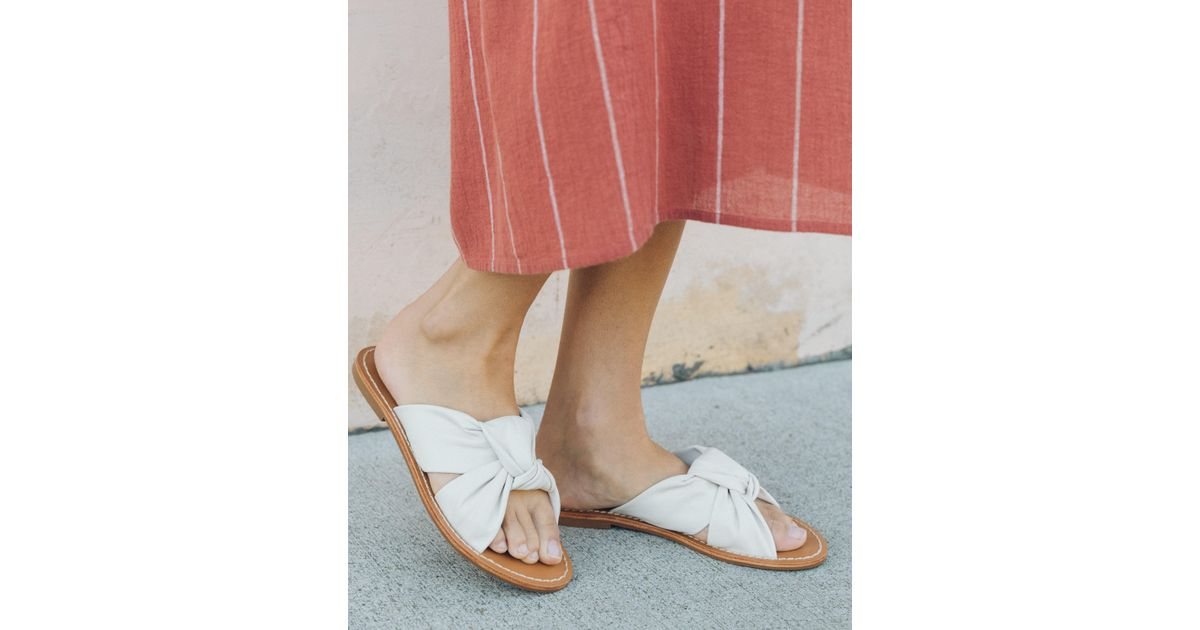 35c57b2e38a0 Lyst - Soludos Leather Knotted Slide Sandal in White