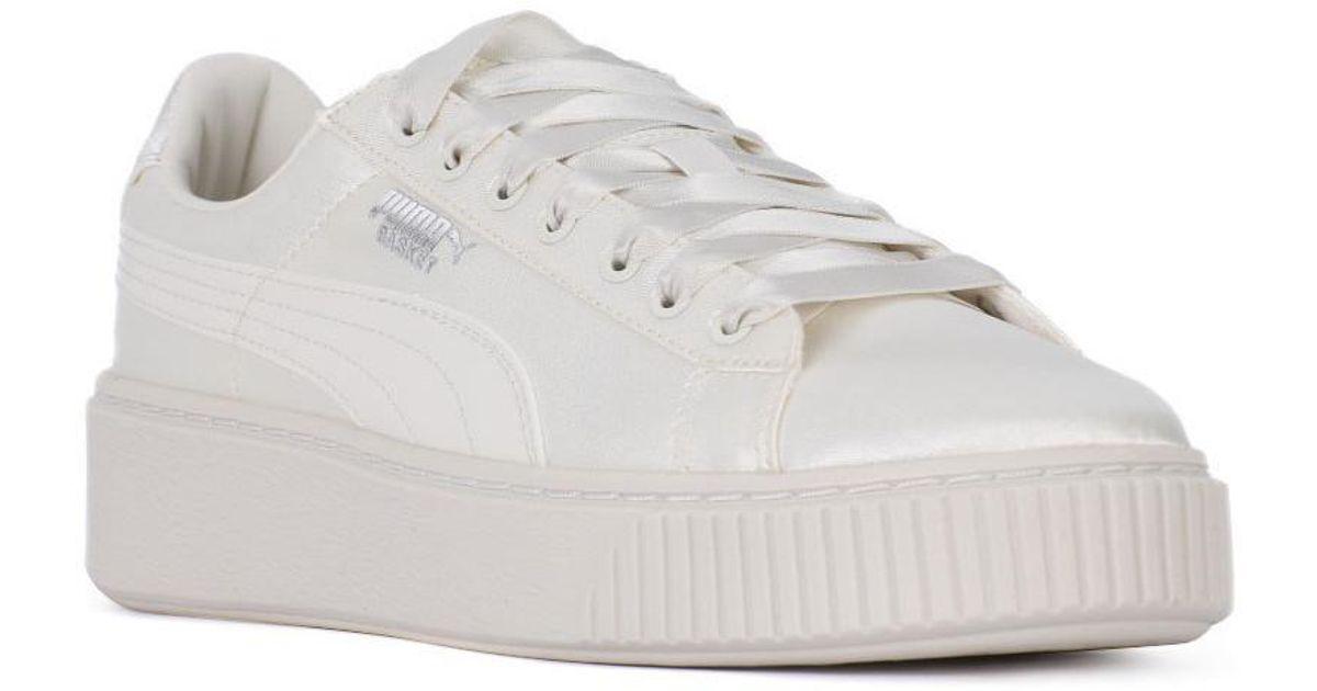ce566b0d11aa PUMA Basket Platform Tween Jr Women s Shoes (trainers) In White in White -  Lyst