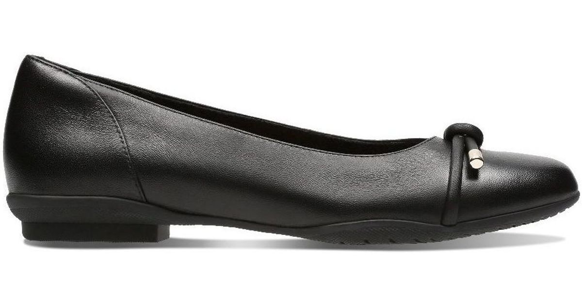 348ee30bab58 Clarks Neenah Poppy Women s Shoes (pumps   Ballerinas) In Black in Black -  Lyst