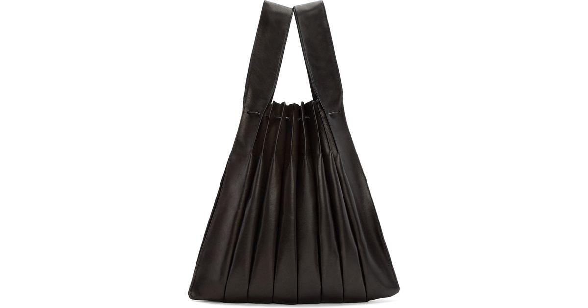 Musa Bag in Pink Nappa Pleated Leather Giorgio Armani llJNwPR