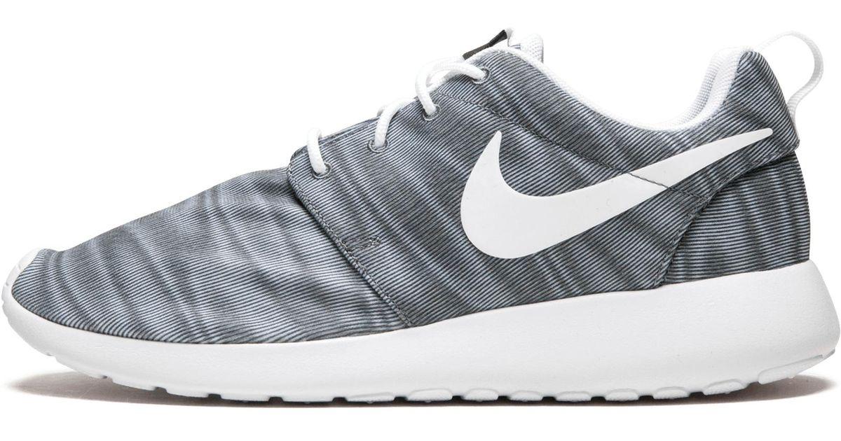 premium selection e0067 553b8 Nike Wmns Roshe One Print - Lyst