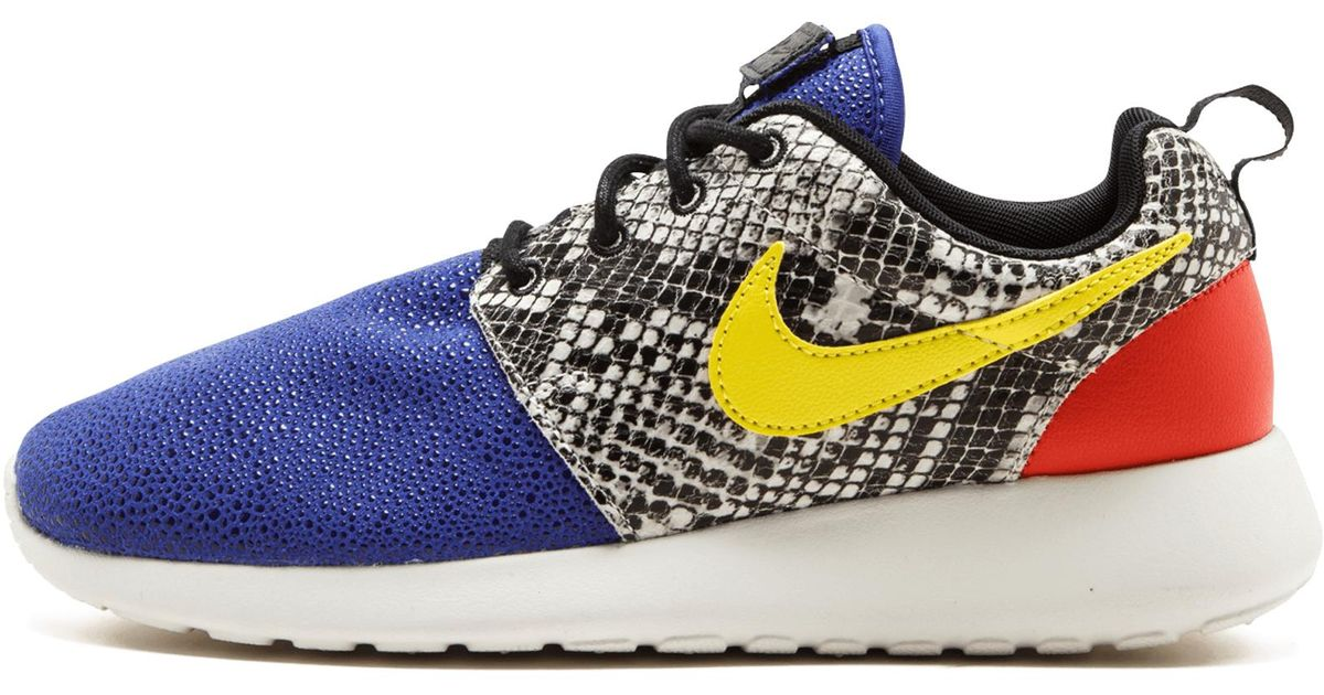 new styles 23ff5 dca69 Lyst - Nike Wmns Roshe One Lx in Blue