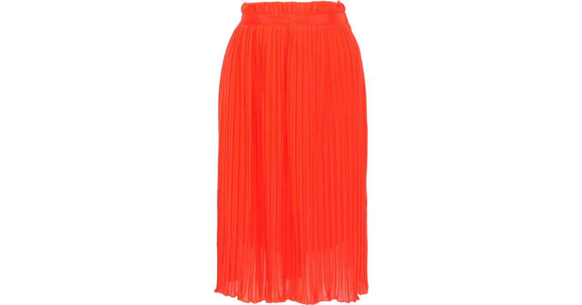 67533ed2c6 Baum und Pferdgarten Woman Sakurako Pleated Georgette Skirt Bright Orange  in Red - Lyst