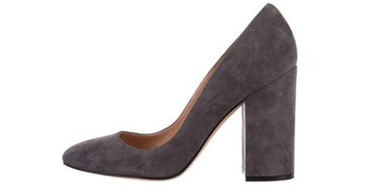 af93122808d6 Lyst - Gianvito Rossi Suede Round-toe Pumps Grey in Gray