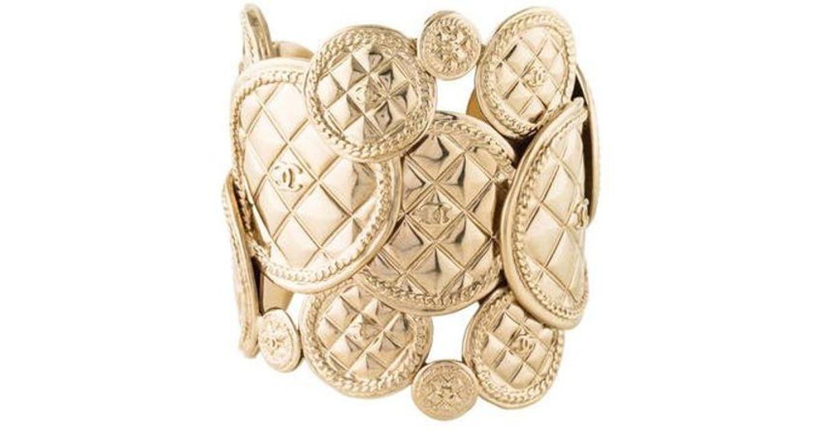 e4b52acb12d Lyst - Chanel Cc Matelassé Cuff Gold in Metallic