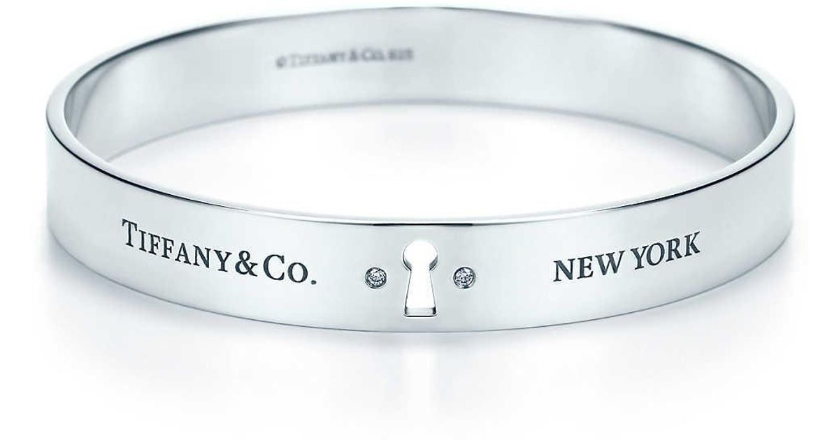 e303434d5 Tiffany & Co. Tiffany Locks Narrow Bangle In Sterling Silver With Diamonds,  Large in Metallic - Lyst