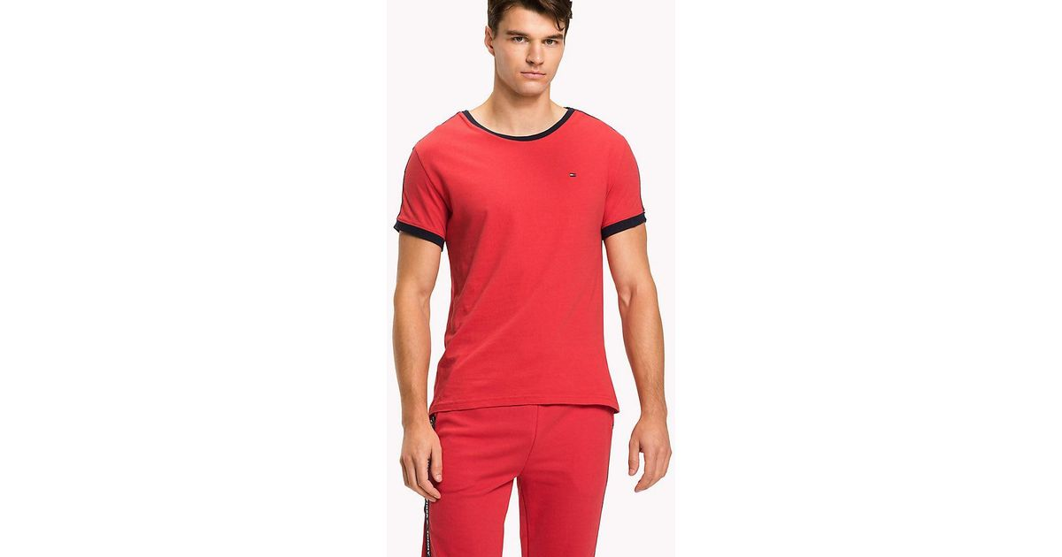 de2e9af9244f Tommy Hilfiger Repeat Logo Tape T-shirt in Red for Men - Lyst