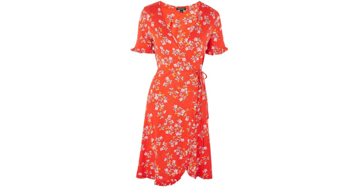 8a12f560ce53d TOPSHOP Ditsy Floral Print Wrap Dress in Red - Lyst
