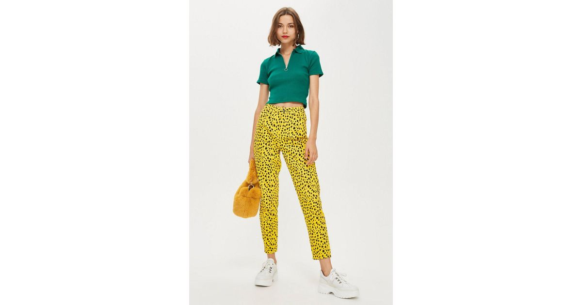 997c41bb5bfd TOPSHOP Leopard Mom Jeans in Yellow - Lyst