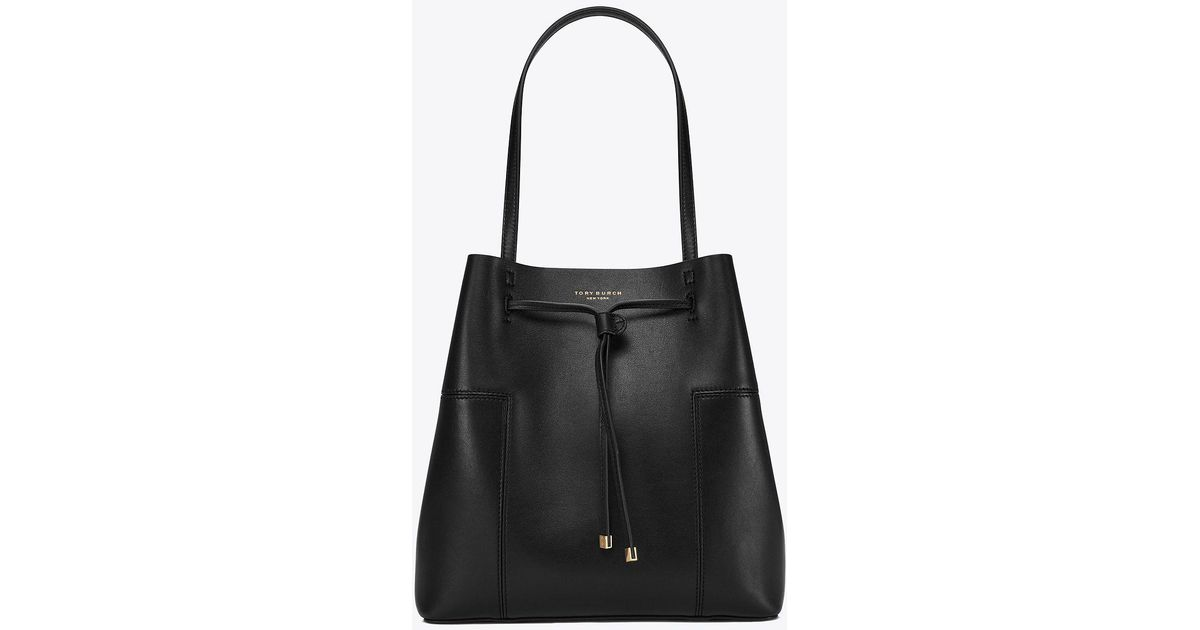 a4bb783fb3ec Lyst - Tory Burch Block-t Drawstring Tote in Black