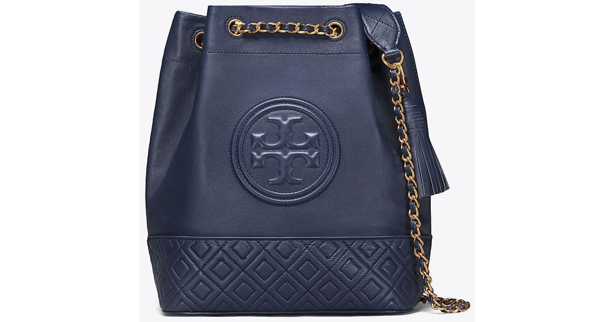c7db2307c57 Tory Burch Fleming Bucket Bag in Blue - Lyst