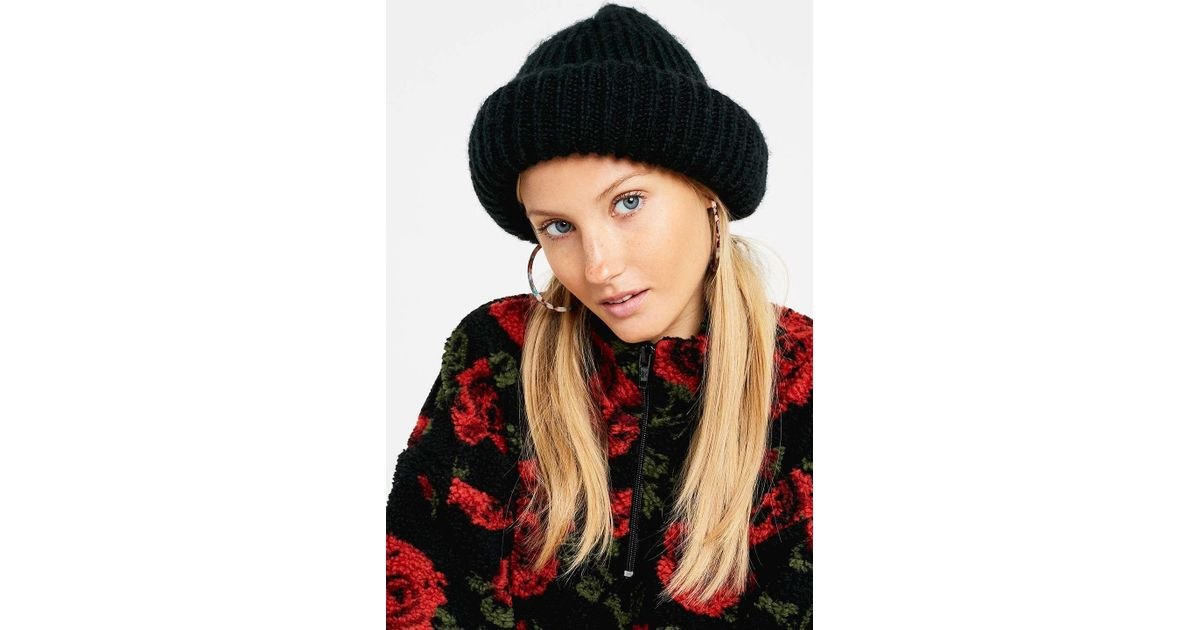 b3cc158fa4c Urban Outfitters Uo Extreme Roll Beanie - Womens All in Black - Lyst