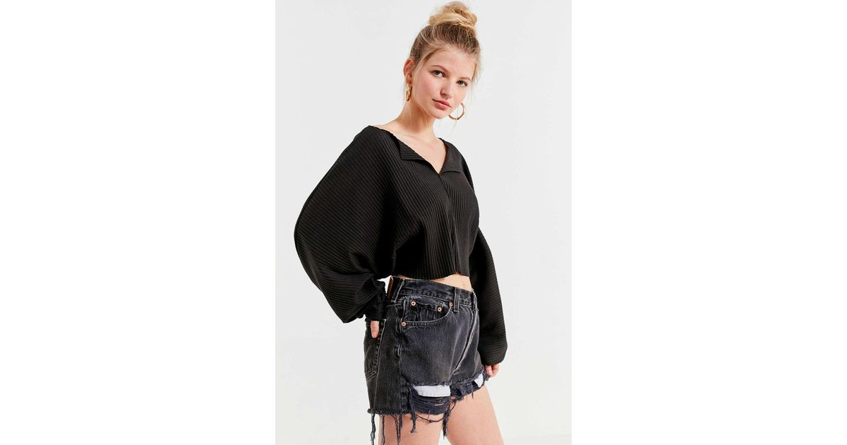 6c565476745ca4 Lyst - Kimchi Blue Riki Ribbed Cropped Top in Black