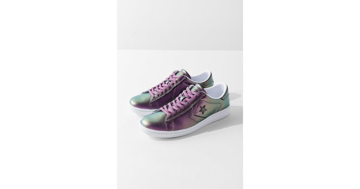276aa9e133b Lyst - Converse Converse Pro Leather Lp Iridescent Leather Low Top Sneaker  in Purple