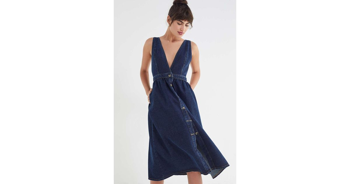 4811d0e9c17 Urban Outfitters Uo Danny Plunging Button-down Denim Midi Dress in Blue -  Lyst
