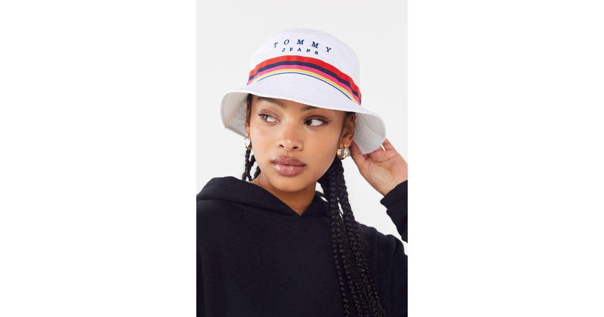 b5c7c30d3ea2e Tommy Hilfiger Rainbow Bucket Hat in White - Lyst