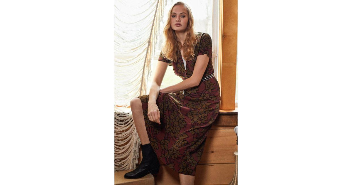 fed352f3bb5 Urban Outfitters Uo Charlotte Button-down Midi Shirt Dress in Brown - Lyst