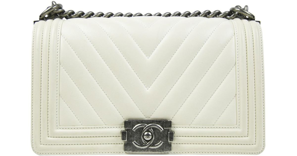 896908a35eeb Lyst - Chanel Pre-owned Boy Leather Handbag in Natural
