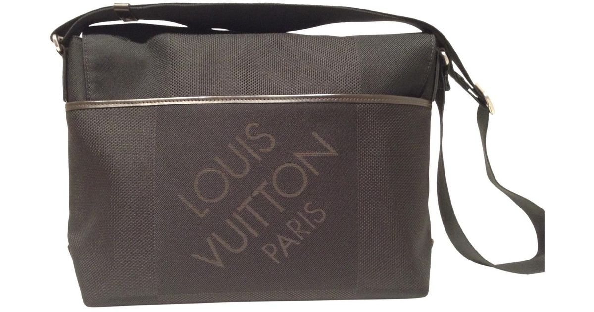 90aa3b620dcae Lyst - Louis Vuitton Pre-owned Black Synthetic Bag in Black