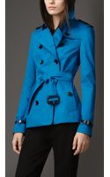 Burberry Short Leather Detail Sateen Trench Coat - Lyst