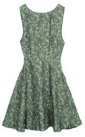 Alice + Olivia Sage Fitted Sleeveless Top Circle Flower Dress - Lyst