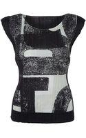 Pleats Please Issey Miyake Black and White Printed Cap Sleeve Top - Lyst