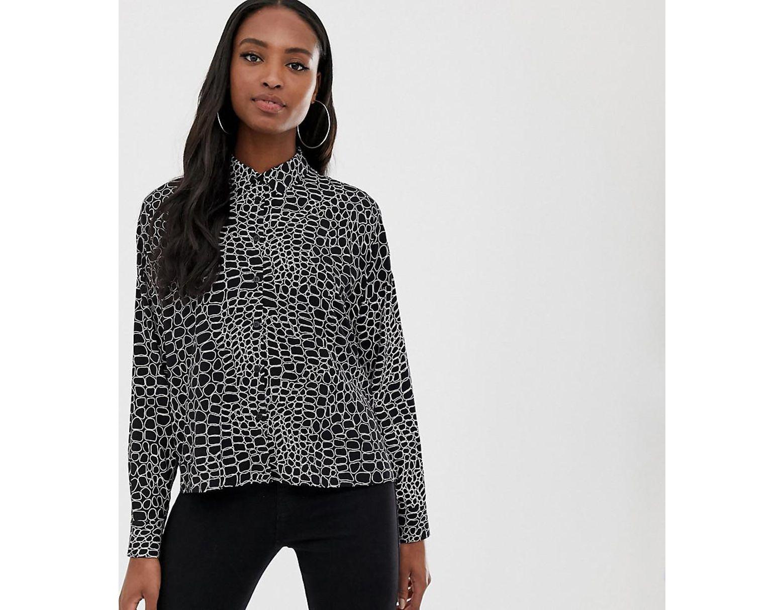 8218d45e5d6 ASOS Asos Design Tall Cropped Long Sleeve Shirt In Crocodile Animal Print -  Lyst