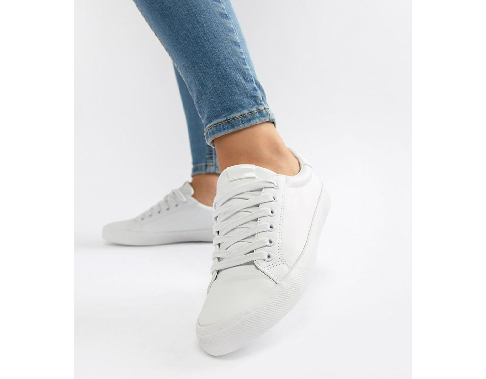 85af05c88 ASOS Wide Fit Dustin Lace Up Trainers In White in White - Lyst