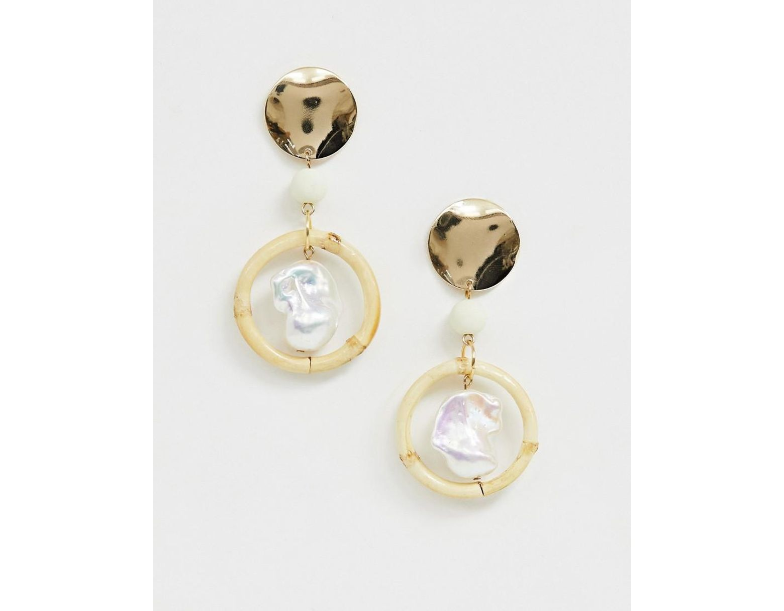 a4731b469 ASOS Earrings With Bamboo Hoop And Faux Freshwater Pearl In Gold Tone in  Metallic - Lyst