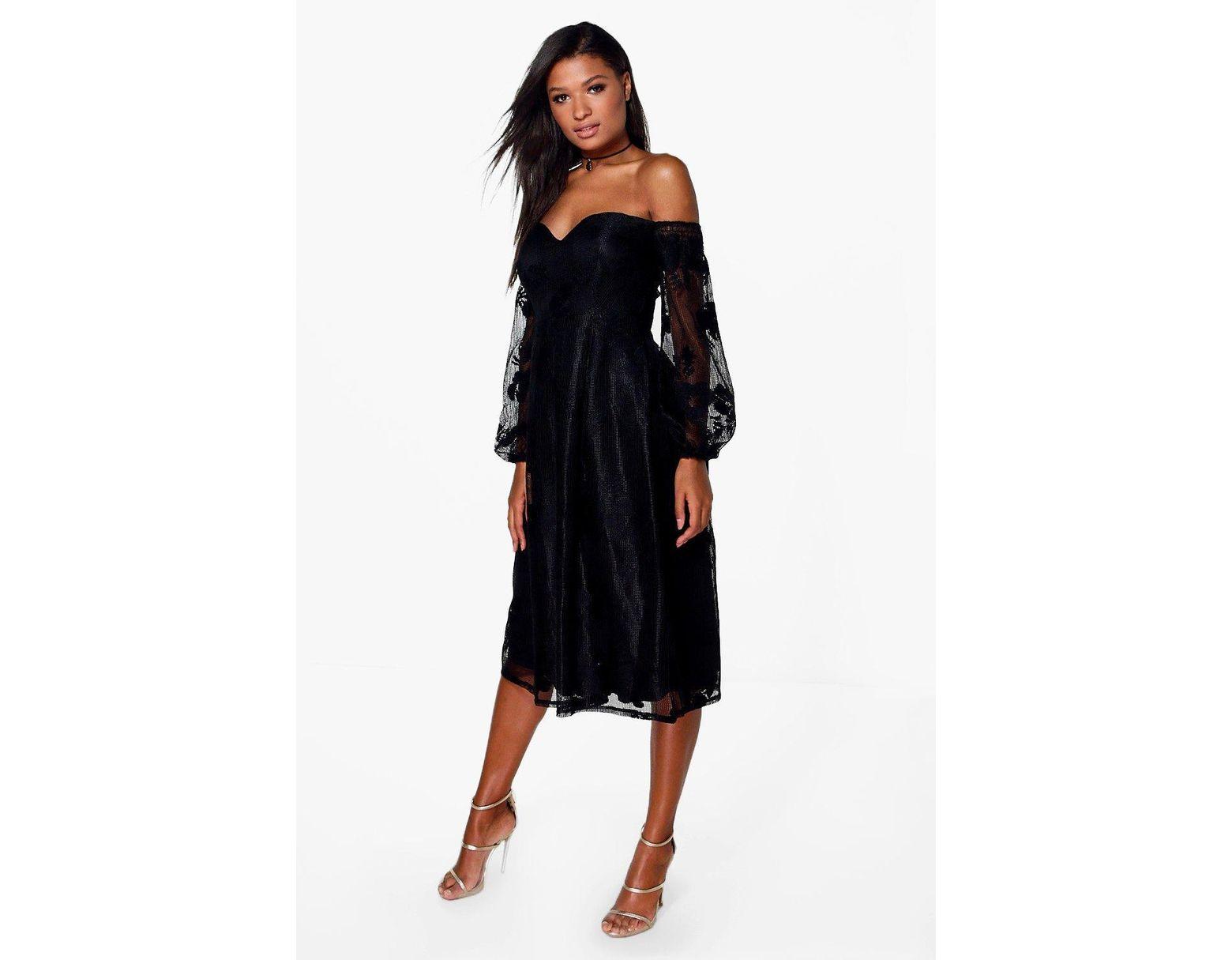 c056059ca62728 Collection Bardot en dentelle robe manches longues Boohoo en coloris ...