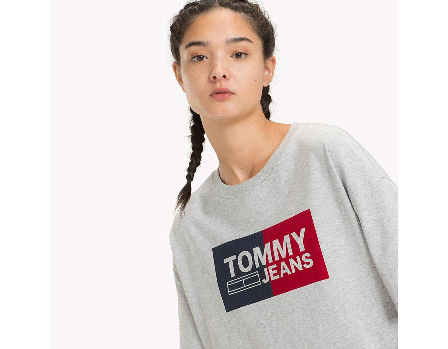 9be4319d Tommy Hilfiger Cropped Boxy Fit T-shirt in Gray - Lyst
