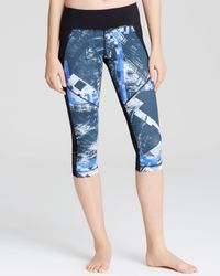 Vimmia | Blue Victory Digital Print Capri Leggings | Lyst