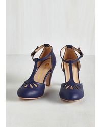 In Touch Footwear - Blue Aisle Come Running Heel In Navy - Lyst