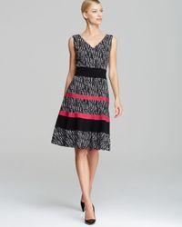Anne Klein | Black Color Block Printed Banded Swing Dress V Neck | Lyst