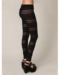 Free People - The Knit Ruffle Legging in Black - Lyst